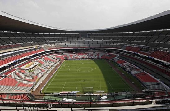 Stadion Kosong di Mexico akibat Swine Flu